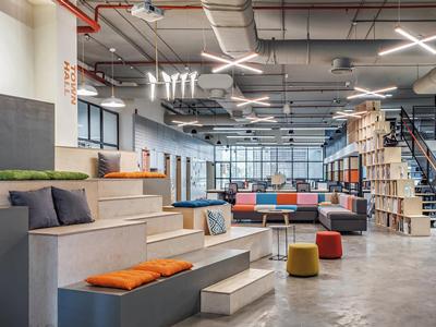 چگونه محل کار خود را به مکانی شادتر تبدیل کنیم؟